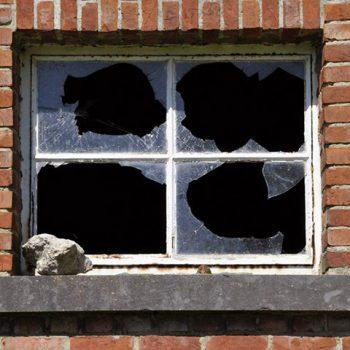 قانون یا تئوری پنجره شکسته چیست ؟